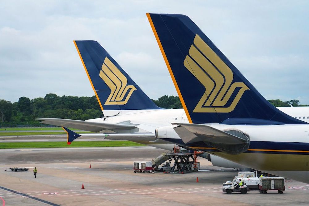 Singapore Airlines cuts 2,400 jobs