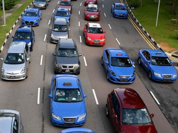 S'pore To Lower Road Tax For EVs, Stop Diesel Car And Taxi Registrations