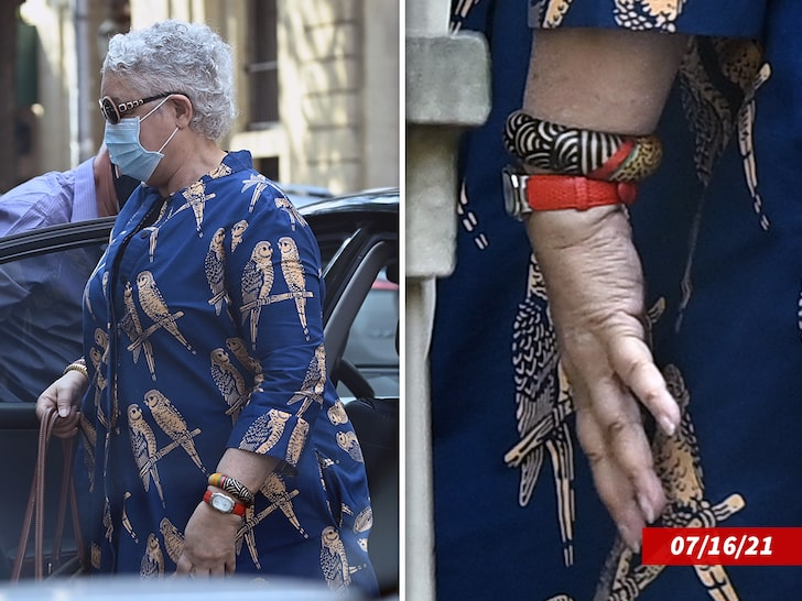 Camille Cosby no ring